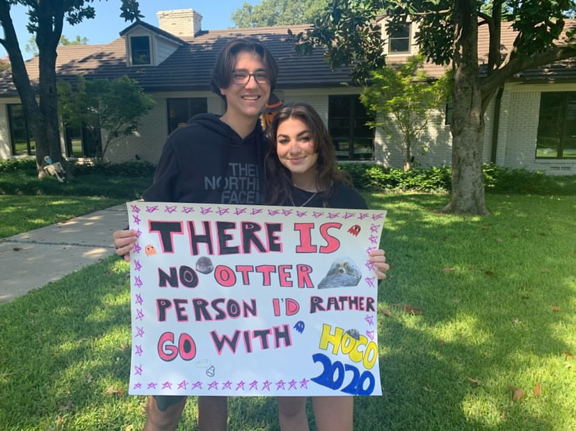 Juniors Collin Mayo and Keely Sanders celebrate Homecoming with poster ask!